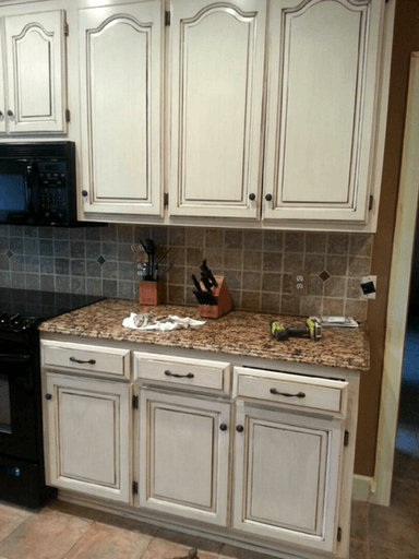 This Is Our Most Por Painted Cabinet Finish A Gorgeous Cream With Chocolate Glaze Give Your Kitchen Or Furniture Makeover