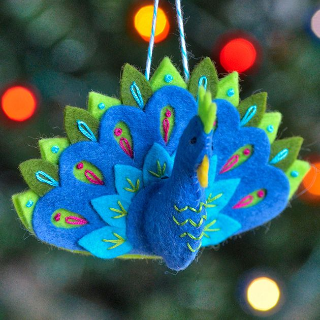 Peacock Ornament Pattern #feltbirds