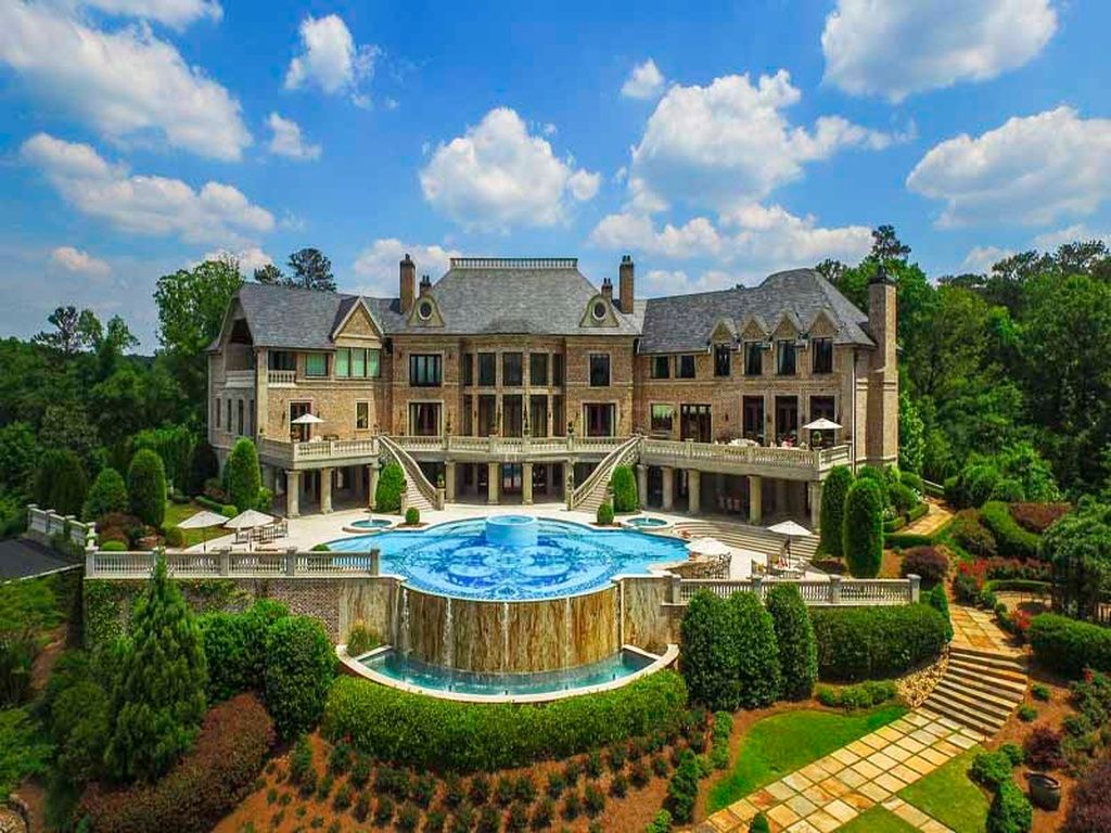 4110 Paces Ferry Rd Nw Atlanta Ga 30327 Is For Sale Zillow Atlanta Mansions Mansions Tyler Perry