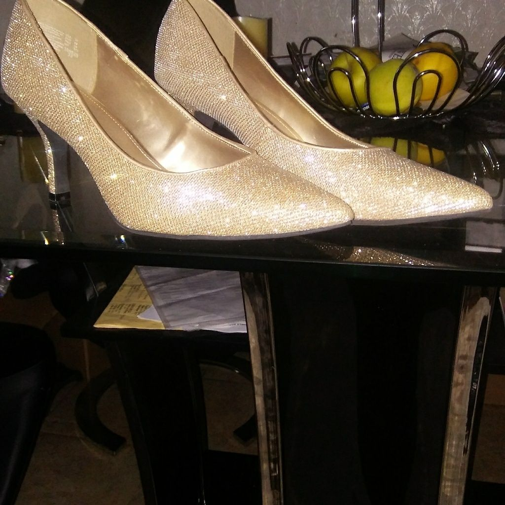 Shoes Color Gold Size 11 Kitten Heel Shoes Shoes Heels