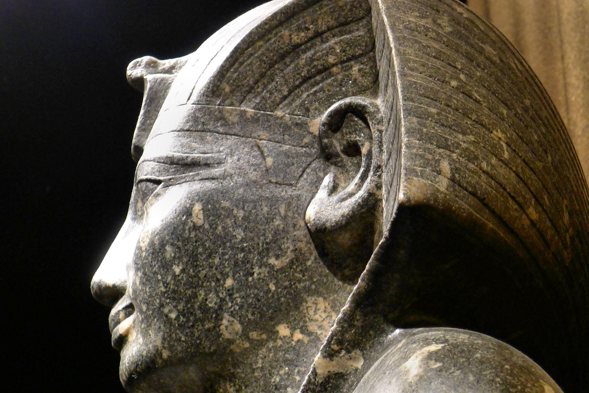 https://flic.kr/p/cFKSvC | Historisches Museum der Pfalz Speyer | Leihgabe aus dem Museum Turin  Sitzstatue Thutmosis I. Karnak Neues Reich, 18. Dyn. Diorit