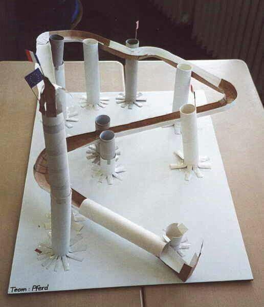 murmelbahn aus papprollen basteln basteln murmeln und. Black Bedroom Furniture Sets. Home Design Ideas