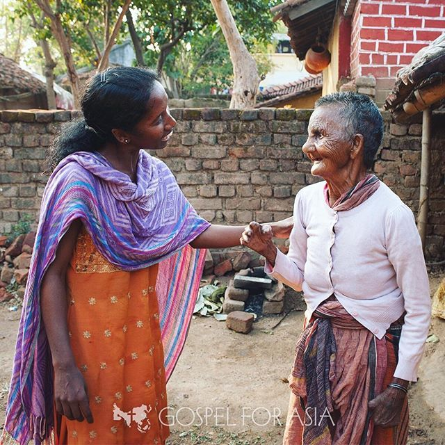 In Delhis biggest slum with a lovely local girl happy to
