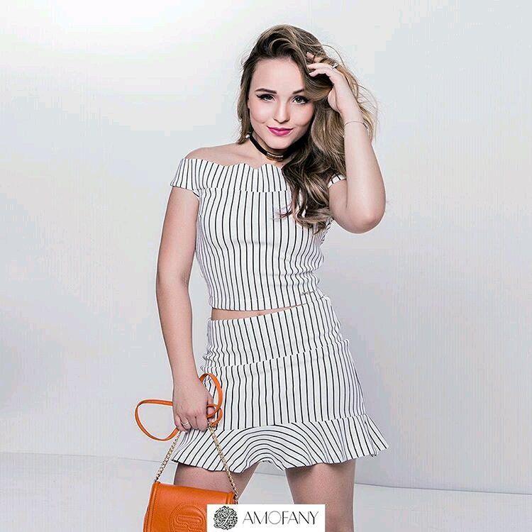 Larissa Manoela posando para a nova campanha da fanygirl ❤. Lindissima .  Via Instagram  FanylandByLarissaManoela d901867036