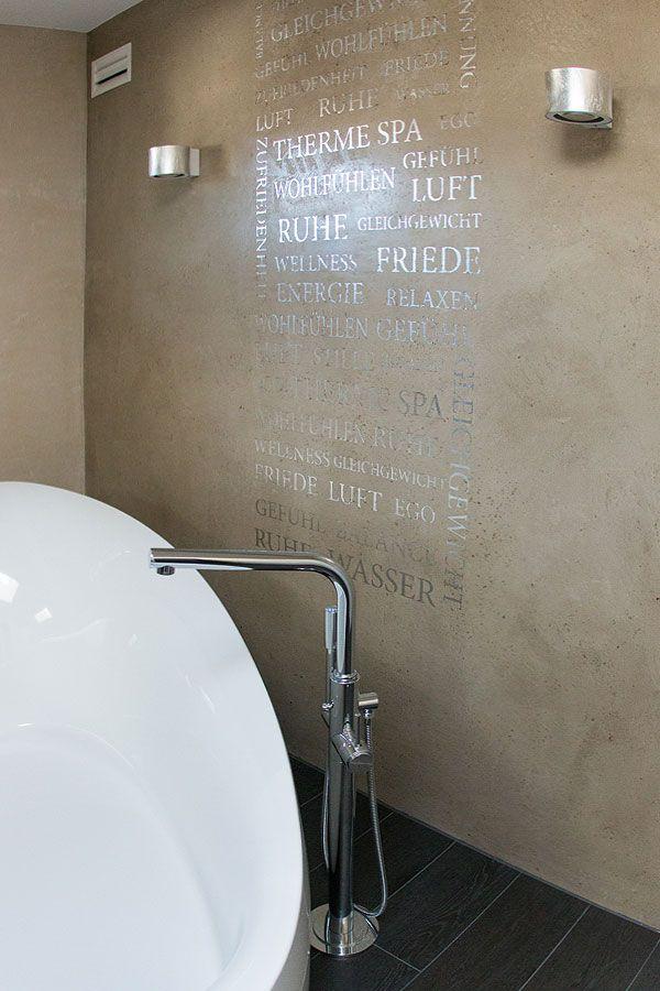 Moderne Badgestaltung mit fugenloser glatter Betonoberfläche mit - badezimmer ohne fliesen