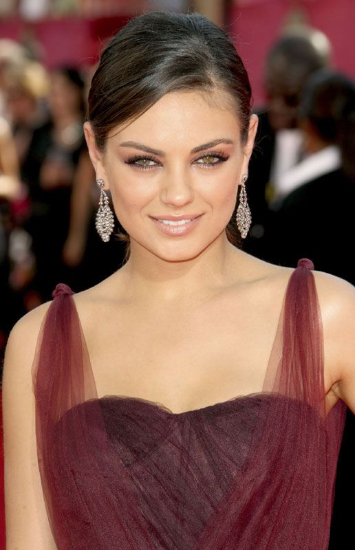 Celebrity Hair Mila Kunis At 61st Primetime Emmy Awards Black Hair Green Eyes Celebrity Hairstyles Bride Makeup