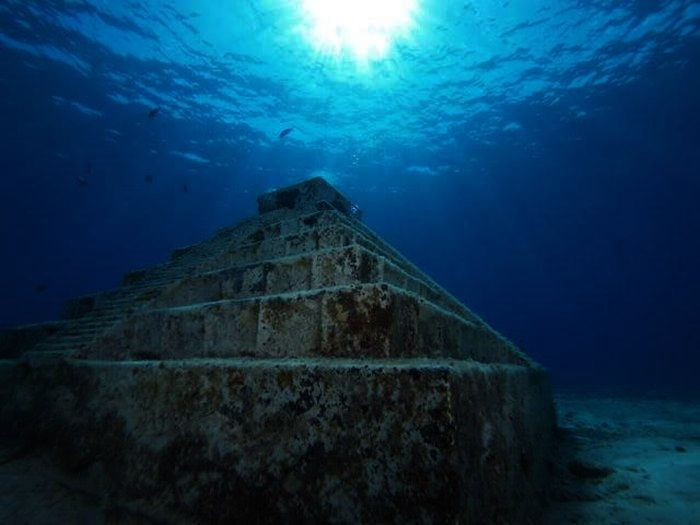 The Yonaguni Monument is a gigantic underwater rock ...