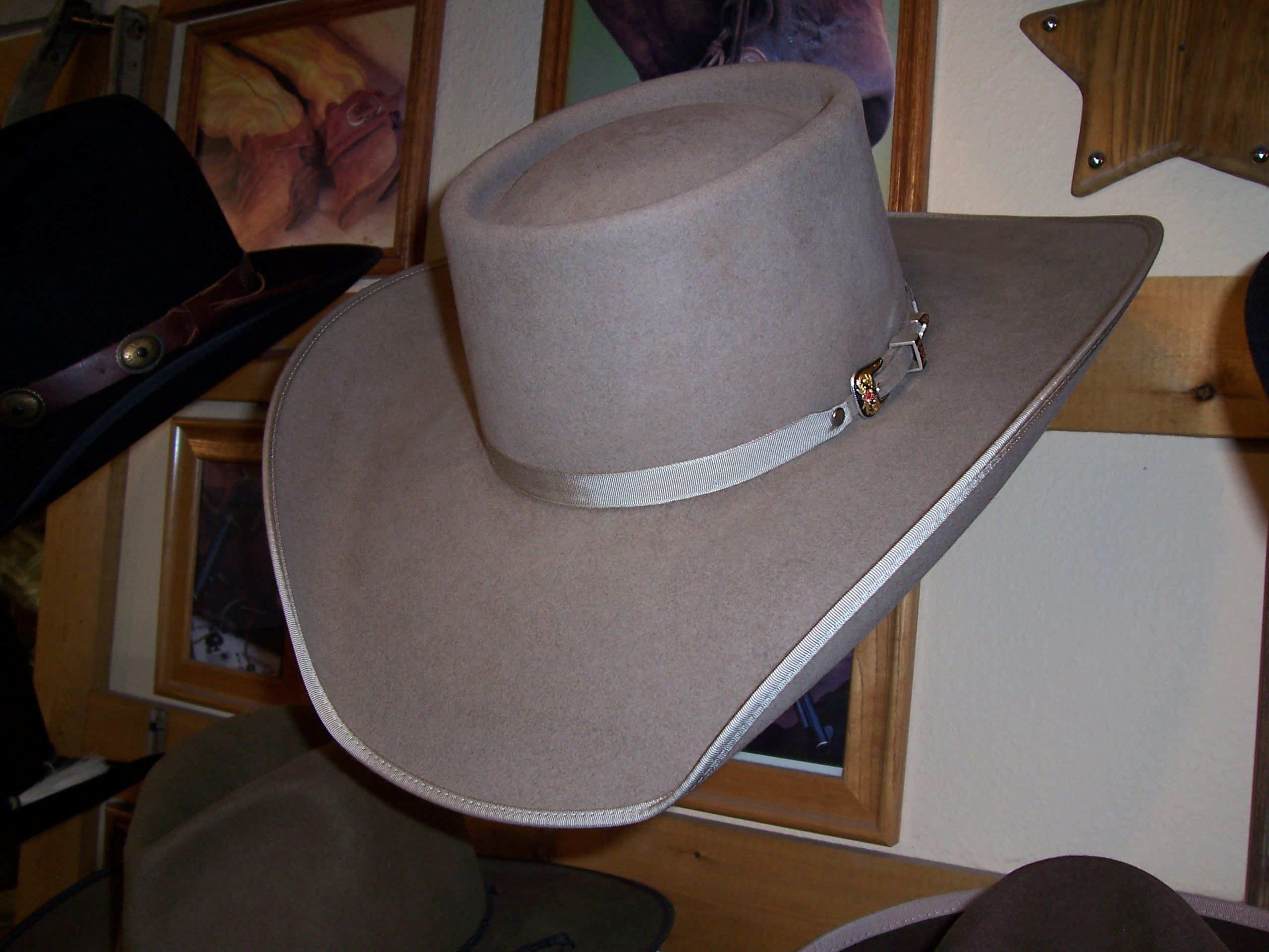 Sand Colored Telescope Crown With Cowboy Brim Found At Law Dog Hat Company Billings Montana Cowboy Hats Hat Fashion Cowboy