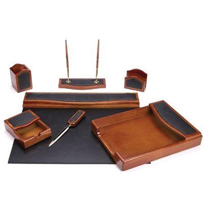 4 Must Have Executive Desk Accessories For Organizing Designalls In 2020 Desk Accessories Desk Set Luxury Desk