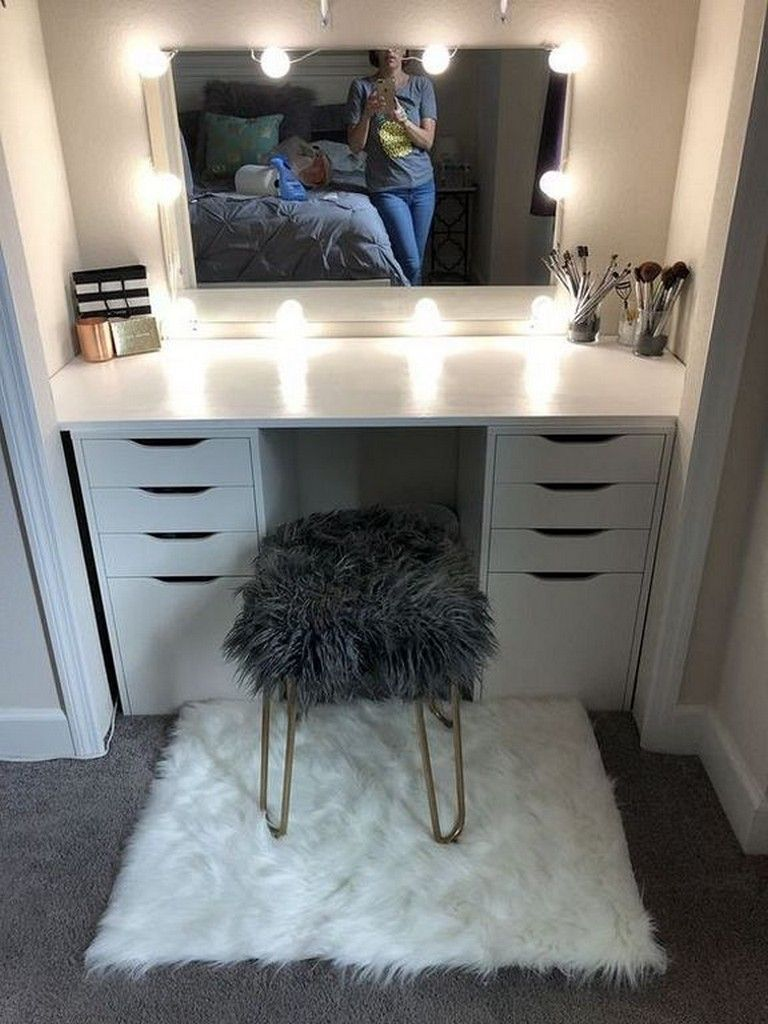 25 Lovely Vanity Mirror Decor Ideas With Lighting Idee Chambre