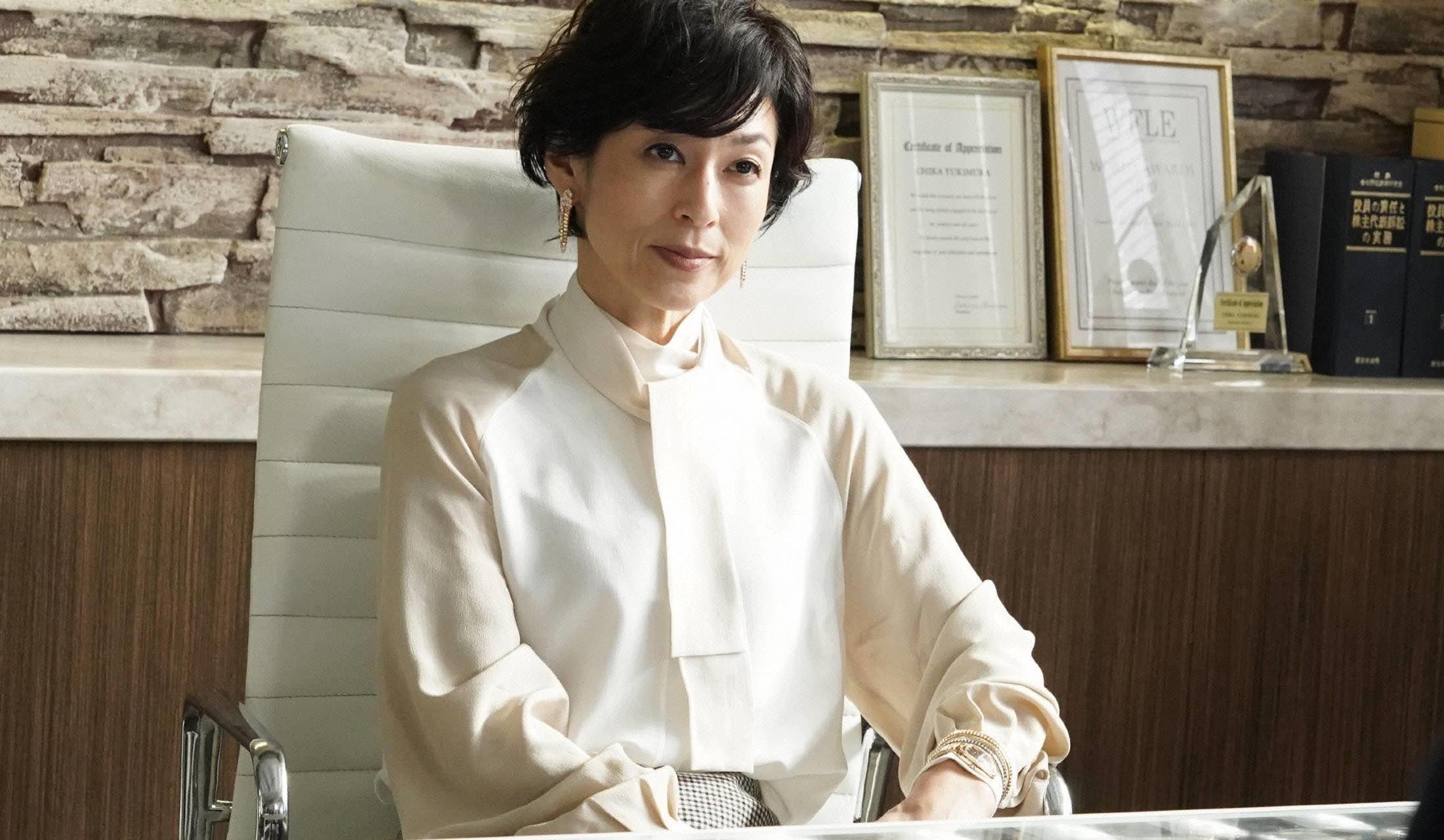 月9ドラマ『SUITS/スーツ』第10話、鈴木保奈美さんの「女っぽい