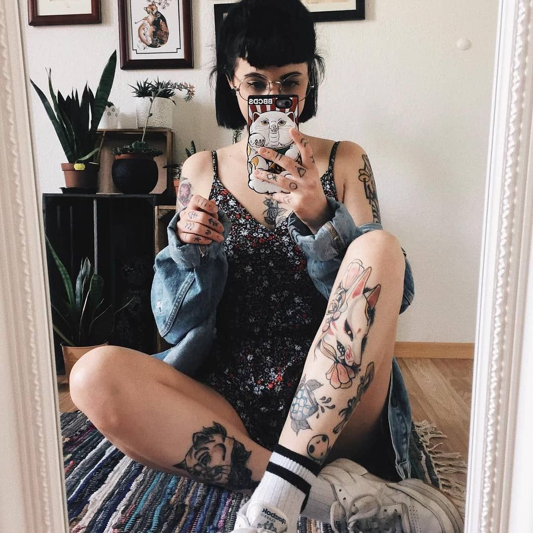 Soo 1 O 2 Grunge Girl Grungegirl Tattoo Black Alternative Fishnets White Aesthetics Tat Unique Tattoos For Women Grunge Outfits Goth Fashion