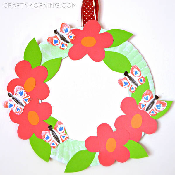 Paper Plate Flower Garden Wreath (Kids craft for spring or summer!  sc 1 st  Pinterest & Celebrate the warmer months with this paper plate wreath. Featuring ...