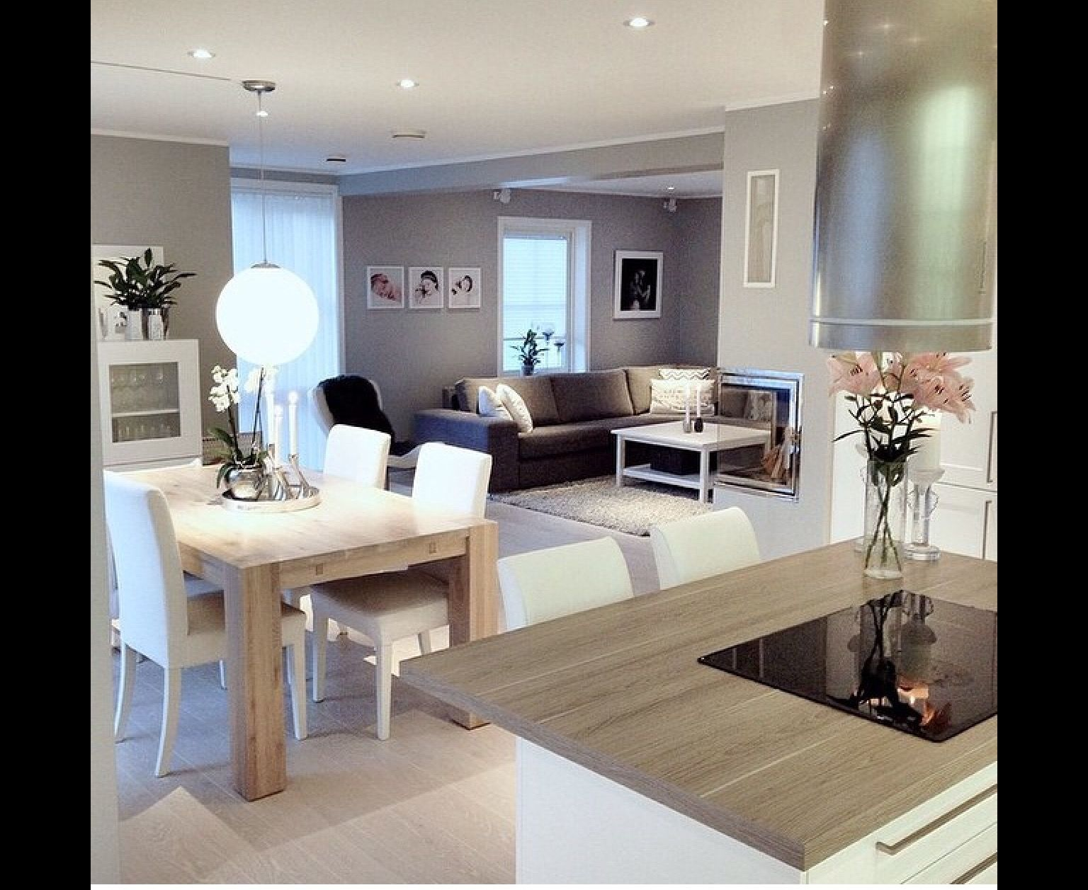 Perfect Livingroom, Diningroom And Kitchen