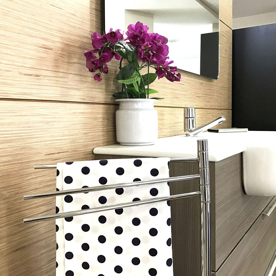 Semplice, sobria ed elegante #Piantana #bagno realizzata in #ottone ...