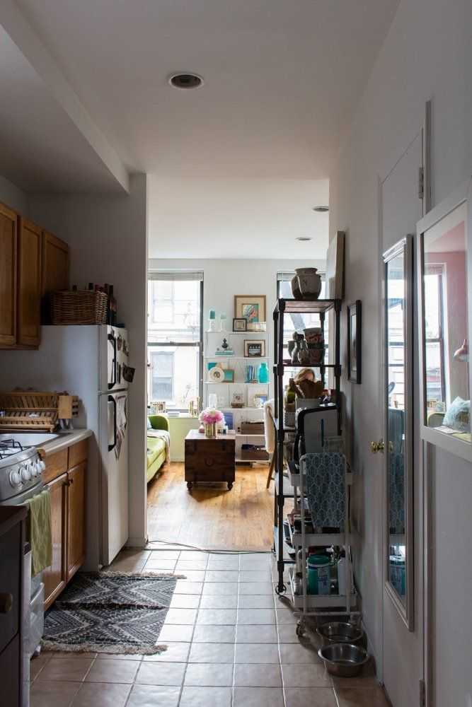 Name Amanda Holstein And Her Dog Auggie Location Greenwich Village New York Ny Size 400 450 Square Feet Years Lived In 1 Year Rented Lives On
