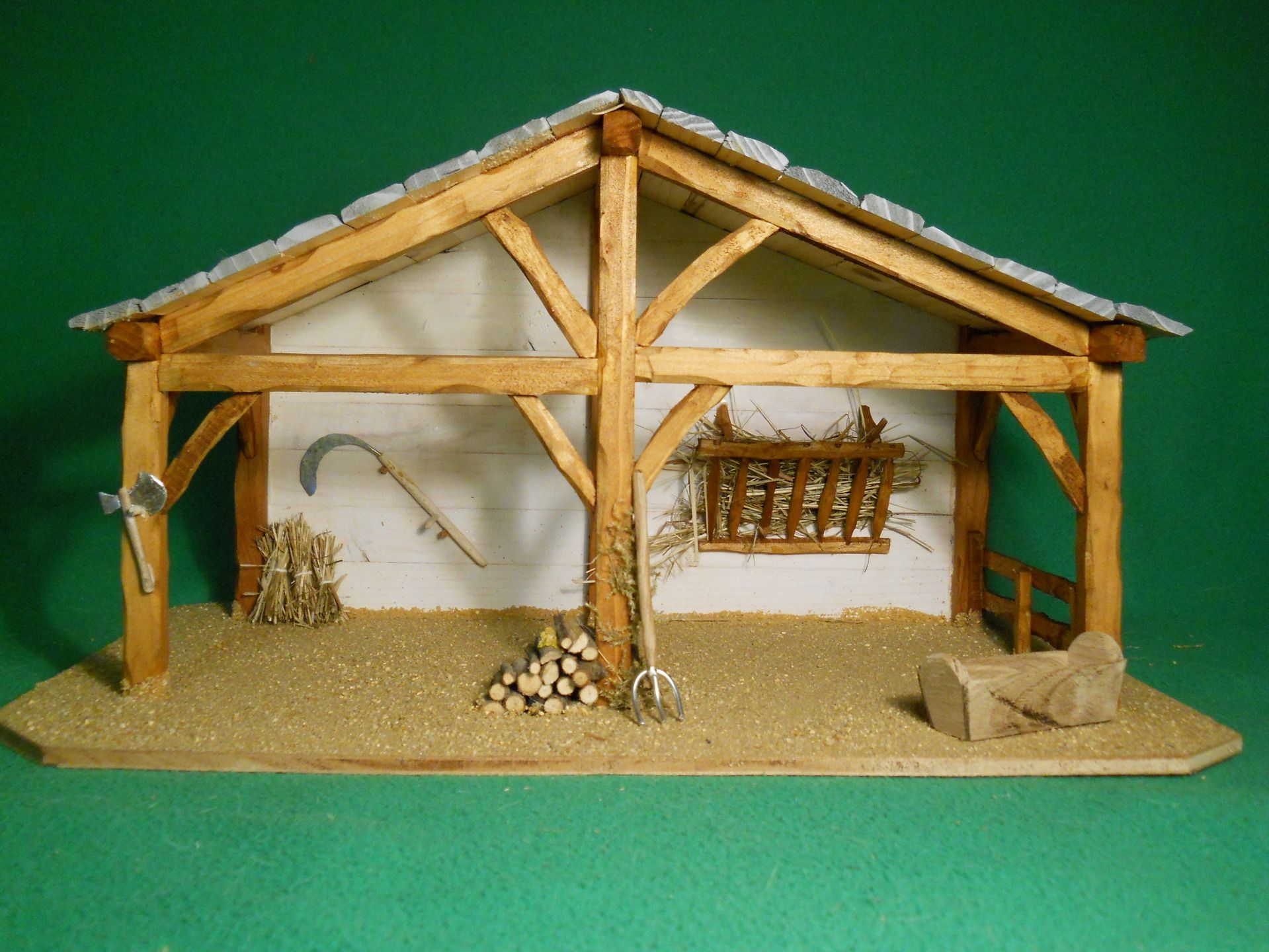 Cr che de no l petite cantalienne en ch ne fabrication - Idee decoration creche noel ...