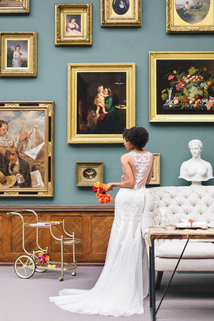 Wedding Photography Inspiration : Imagine your wedding in a Museum surrounded by world class art. Pennsylvania Aca