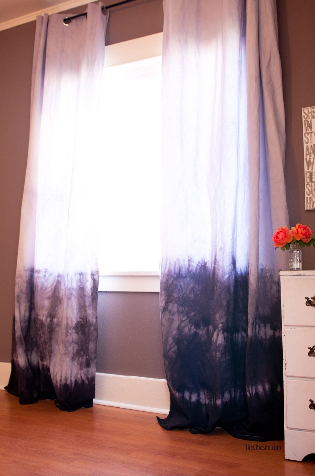 The Chic Site   Diy Ombre Curtains.