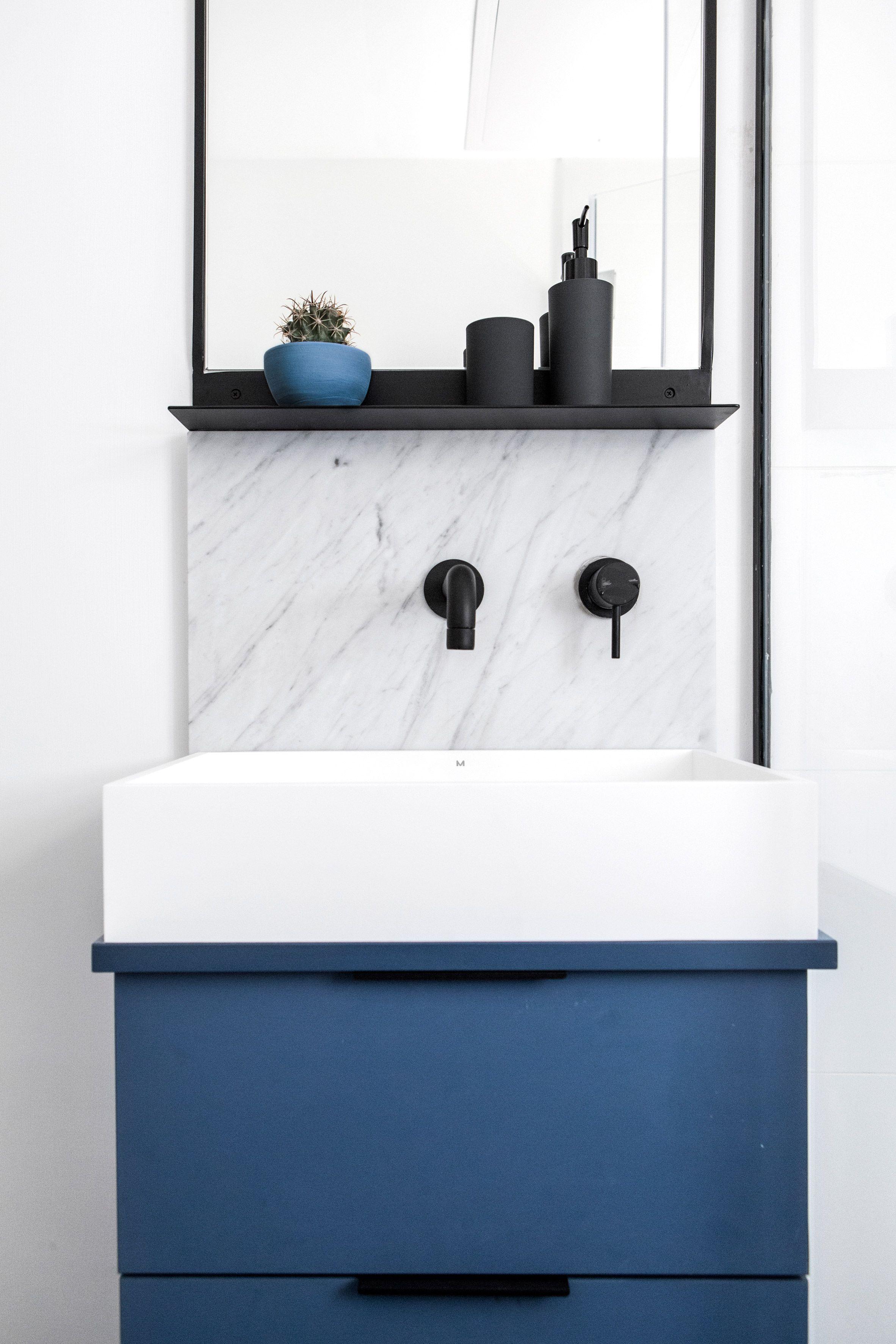 INSPIRATION: A Black And Blue Bathroom Palette   Est Living