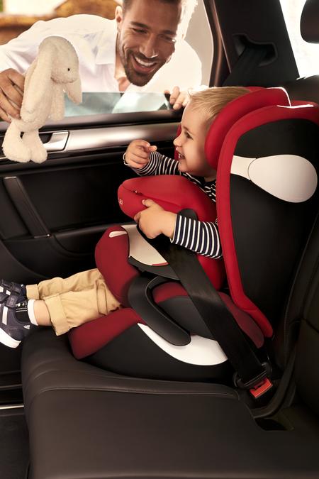 Scegliere Il Seggiolino Auto Per Il Proprio Figlio E Sempre Difficile Cybex Ti Da Tre Motivi Per Scegliere Juno M Fix E Seggiolini Seggiolini Auto Schienali