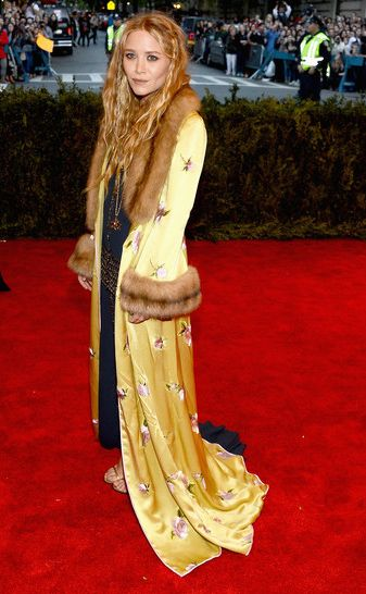 Mary-Kate Olsen Best Dressedat the #MetGala exhibition at the Metropolitan Museum of Art 2013 #fashion #punk