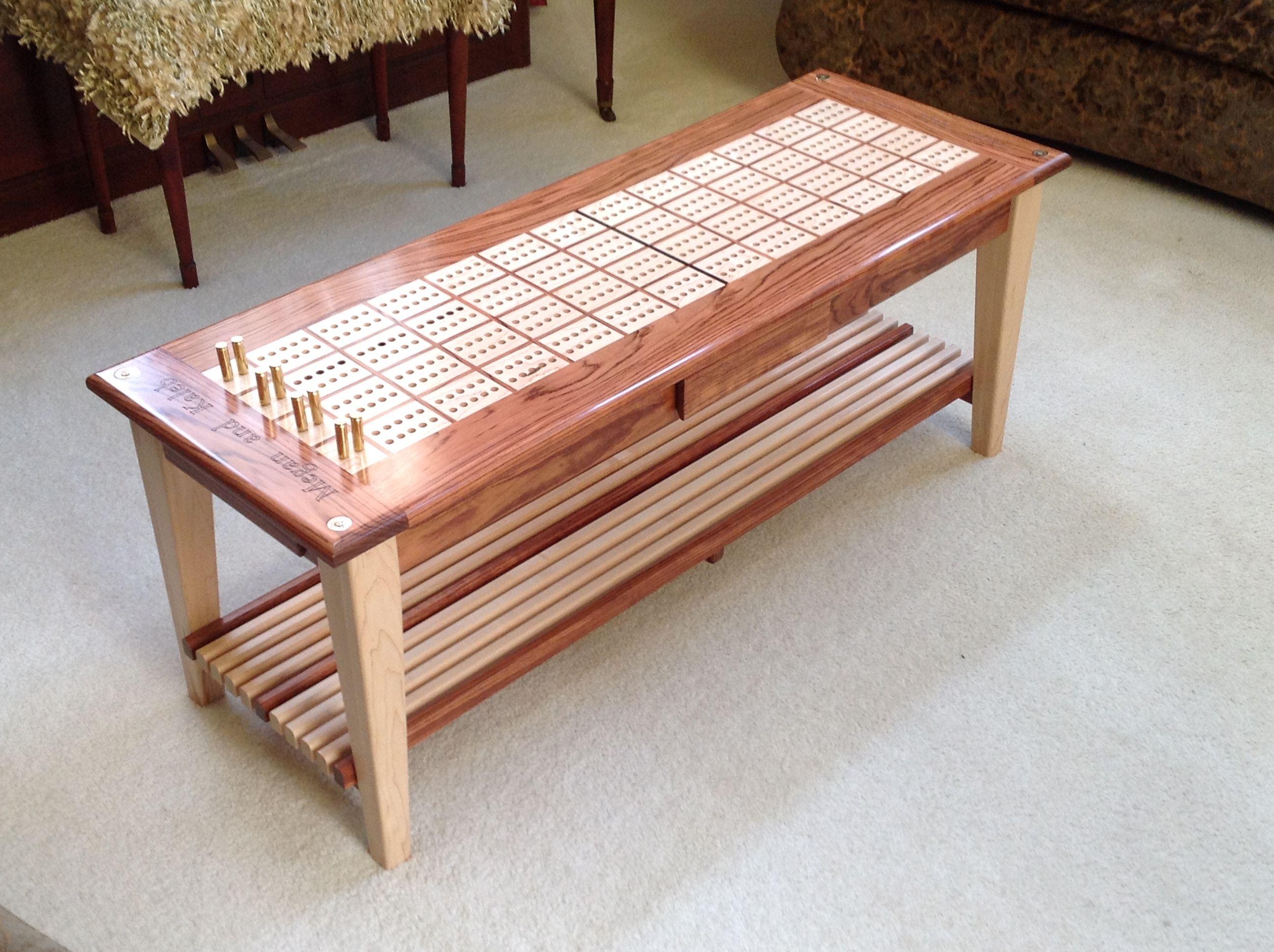 Attirant Cribbage Board Coffee Table