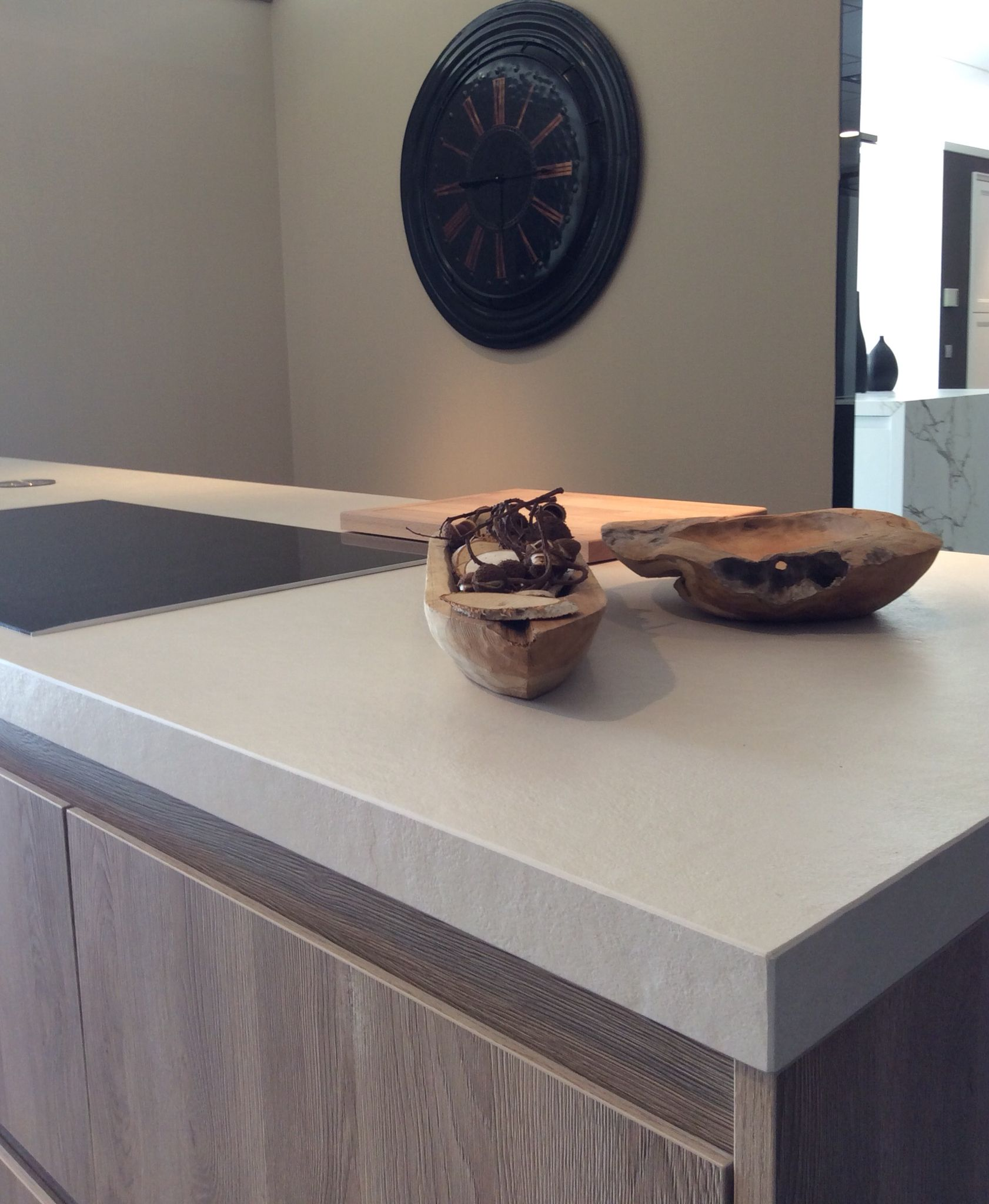 Dekton Edora kitchentop @Kitchensuite Genk by Lauwers Natuursteen