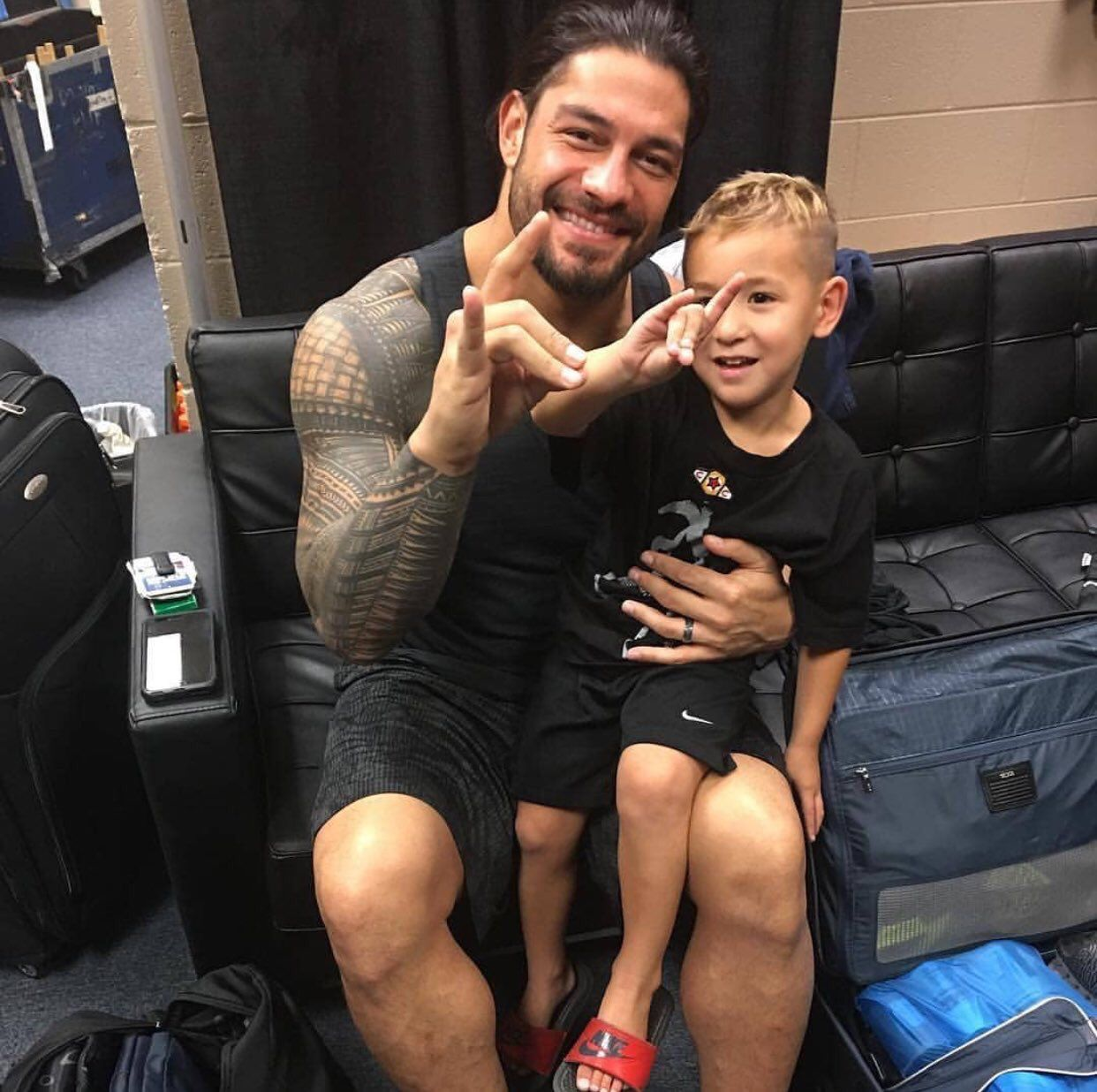 Roman Reigns Surprises Young WWE Fan Suffering With Kidney Disease 2