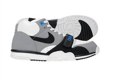 new product 35333 57cfc 2009 Nike Air Trainer 1