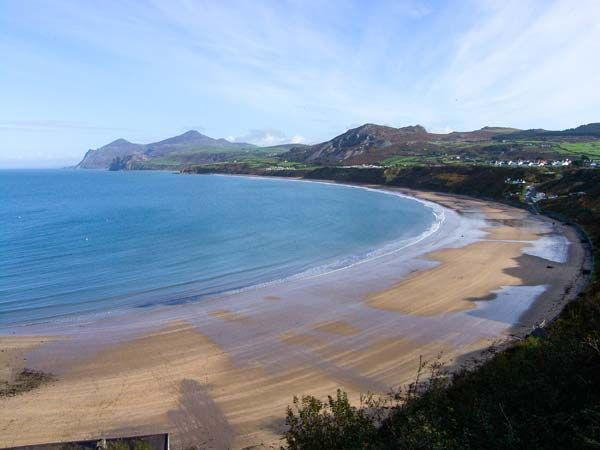 Tywod Arian | Morfa Nefyn | Self Catering Holiday Cottage #SykesCottages #northwales #BeachBreak