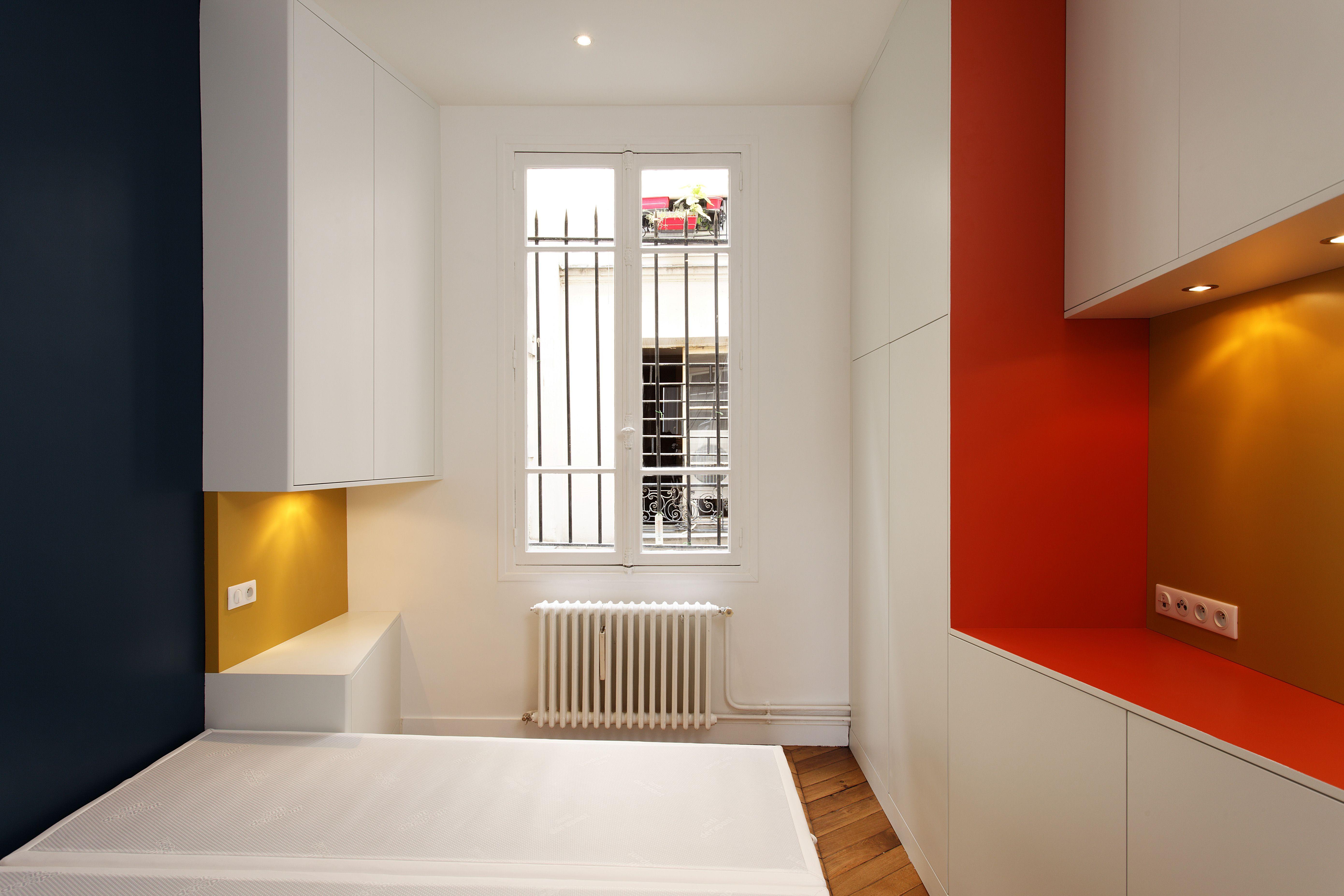 chambre #rouge #bleu #jaune #mobiliersurmesure #décoration ...