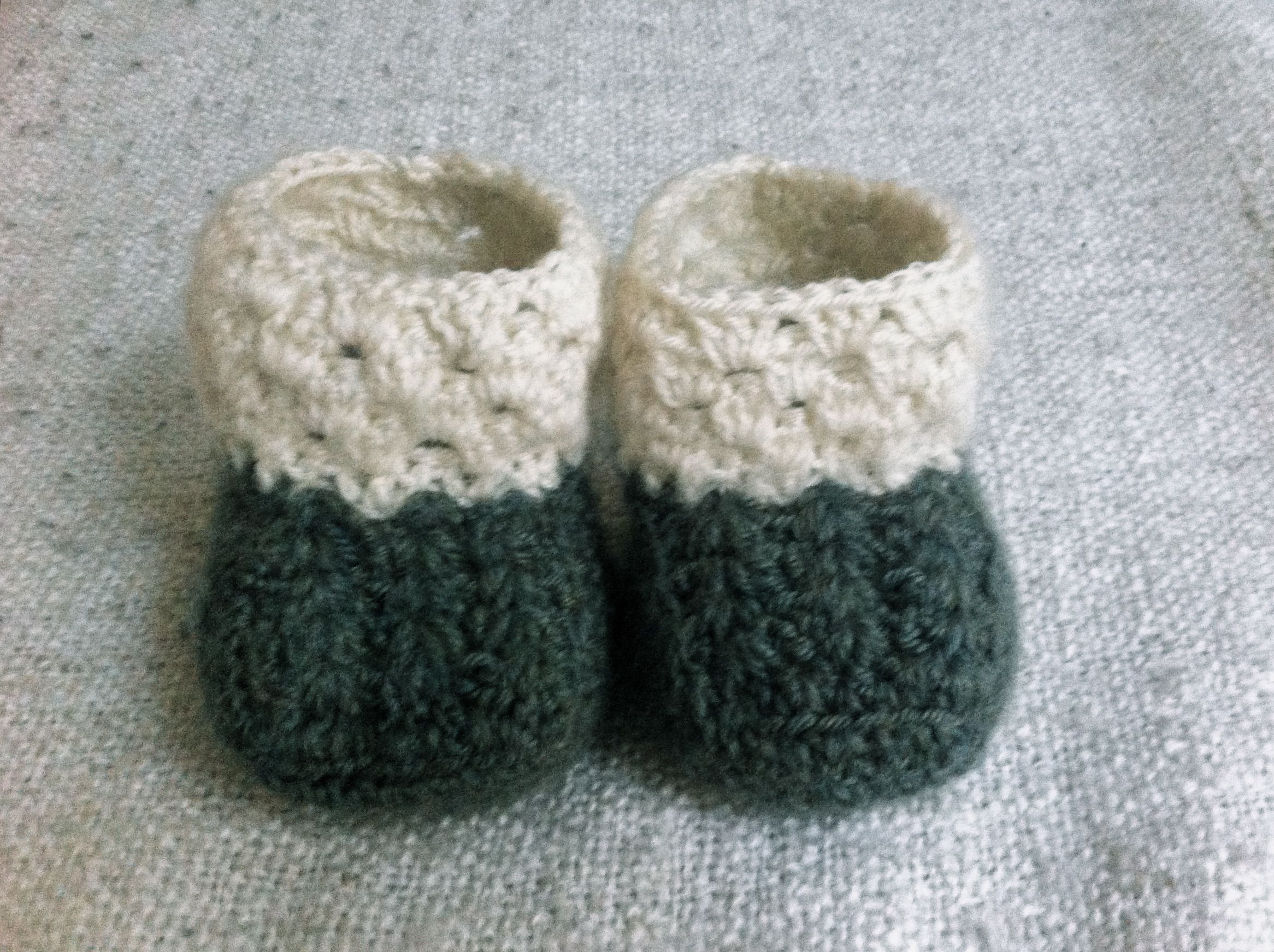 Crochet baby socks handmade by anise