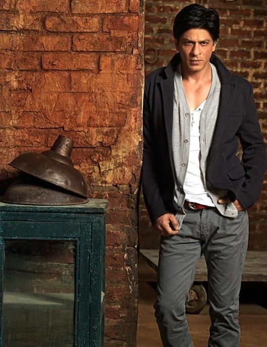 #SPOILER  @iamsrk in my next film ,,I'll be playing 17 years old , and I'll take some help to do it.