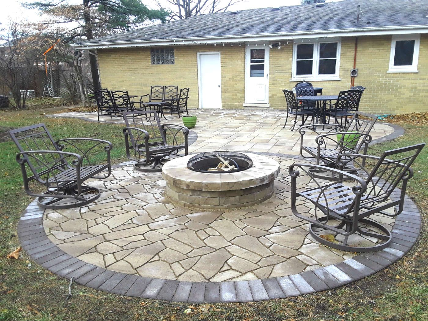 Belgard Paver Patio With Fire Pit Designed By Lombard Il Paver Patio Designer Patio Paver Patio Outdoor Patio Set