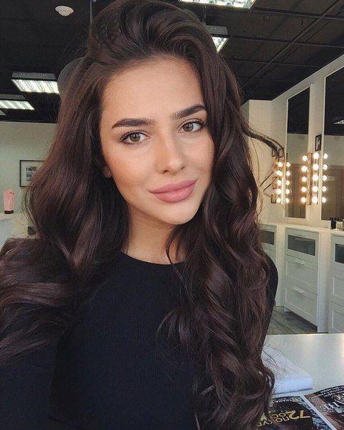 Cheveux Marron : Les 7 nuances de Marron tendance de la saison 2019