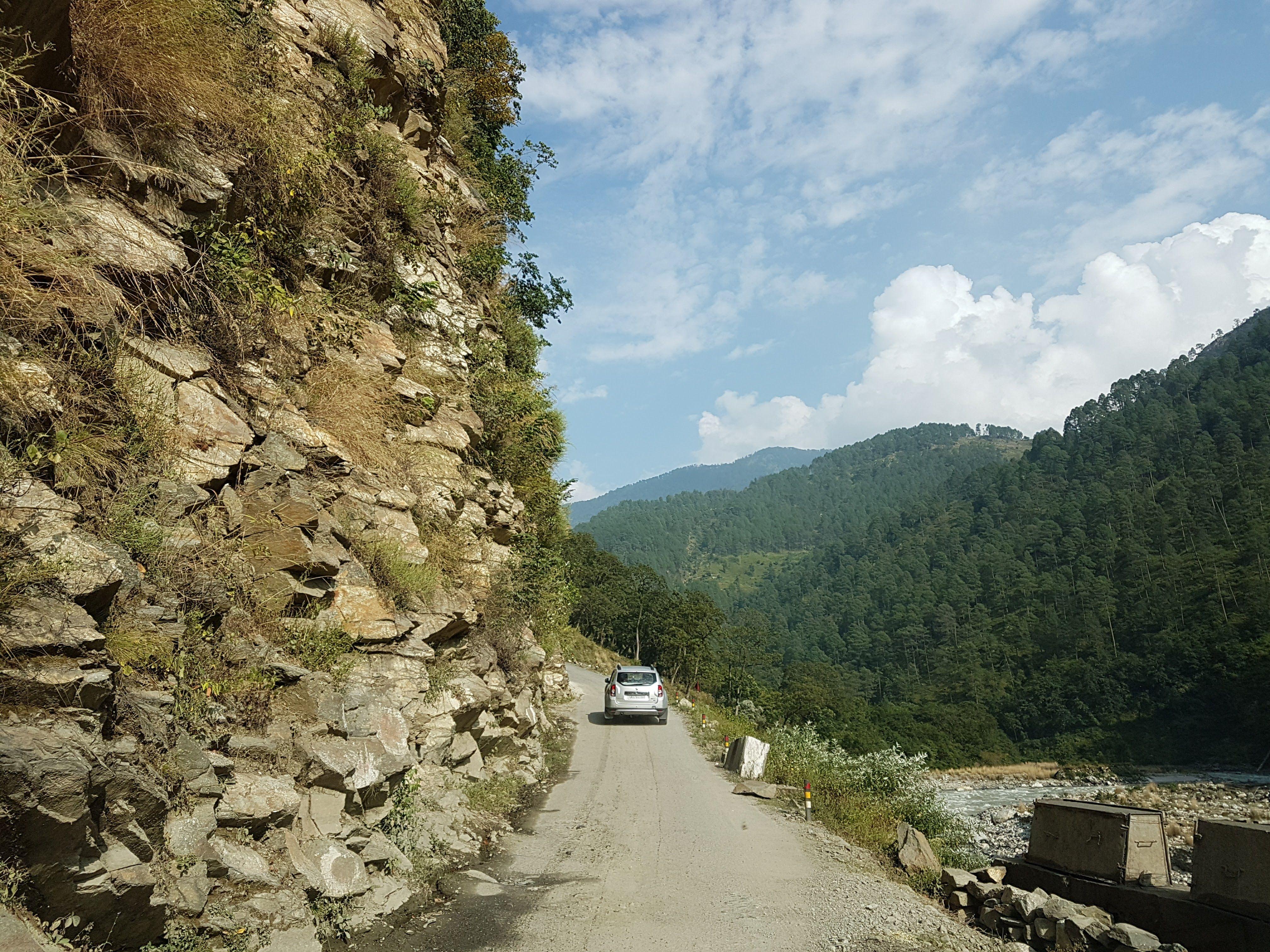 dayara bugyal by road