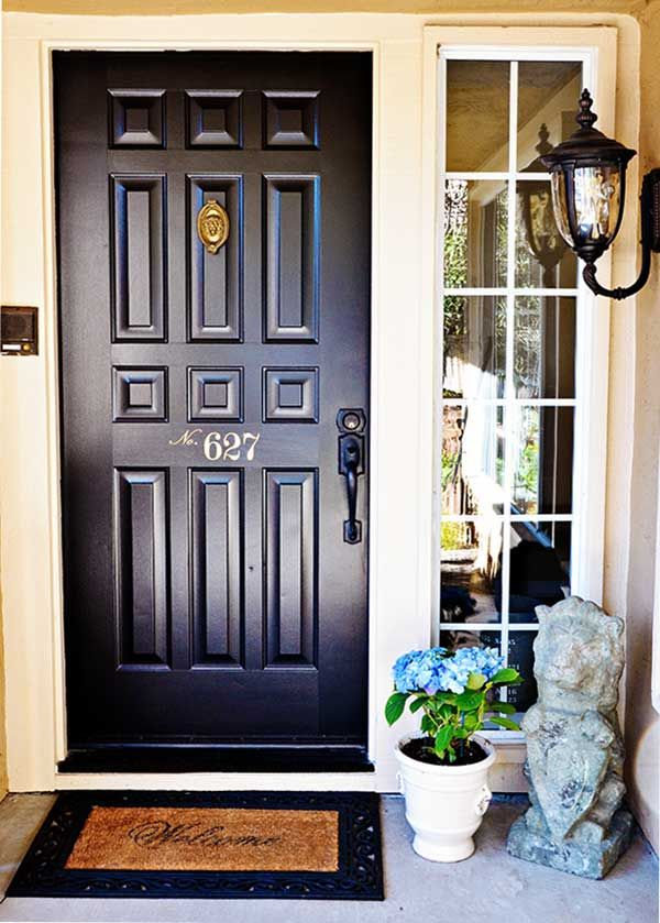 My quick easy front door makeover before after dress my nest pinterest fa ade maison for Porte facade maison