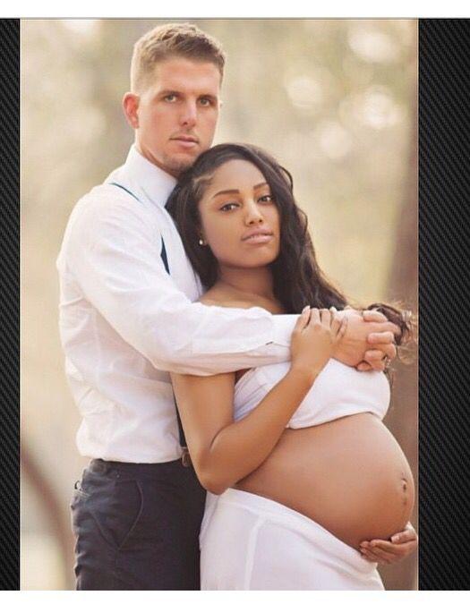 Interracial couple maternity photo shoot so beautiful