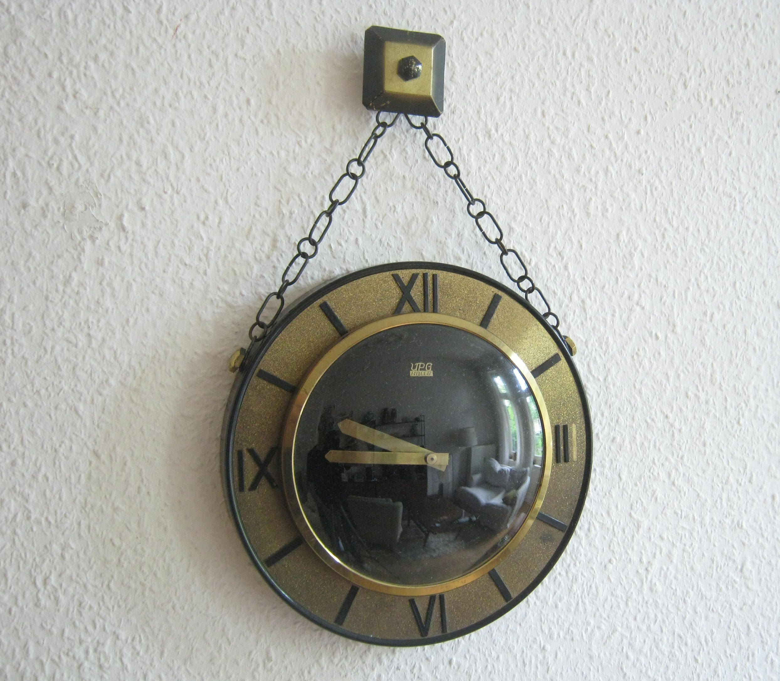 Mechanical Wall Clock Of The Upg Halle From The Gdr Etsy Wanduhr Patina Mechanische Uhren