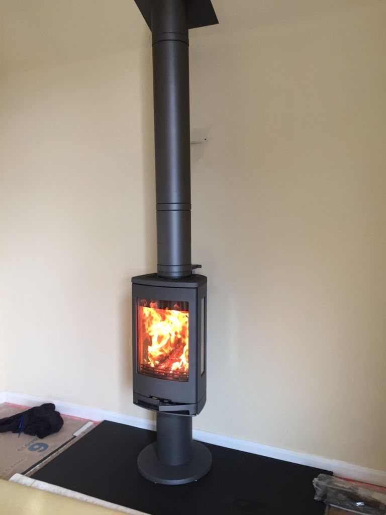 This Contura 780 stove installation by Hagley Stoves shows