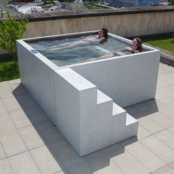 concrete whirlpool design example outdoor whirlpools dade design ag concrete works beton. Black Bedroom Furniture Sets. Home Design Ideas