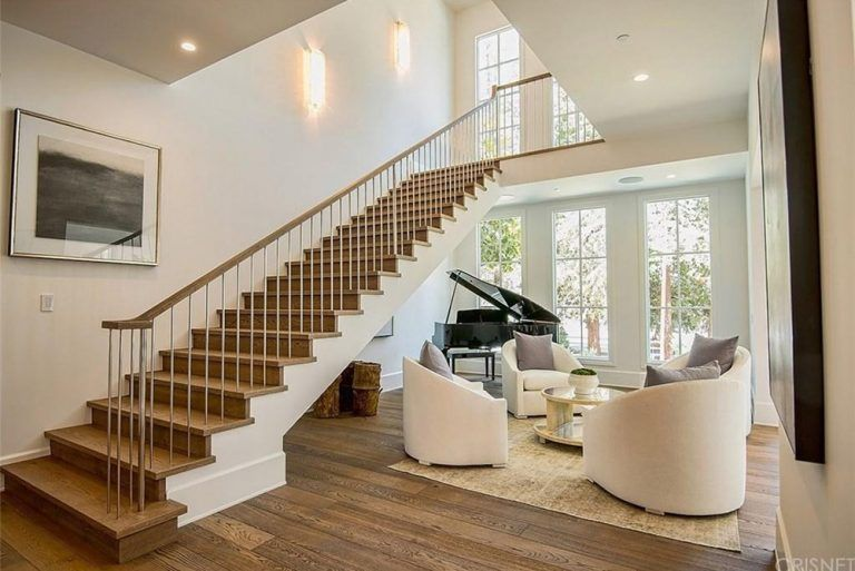 Rumor Mill The Weeknd Reportedly Buys A Hidden Hills Mansion Trulia Blog Celebrity Houses Long Valley Staircase Design