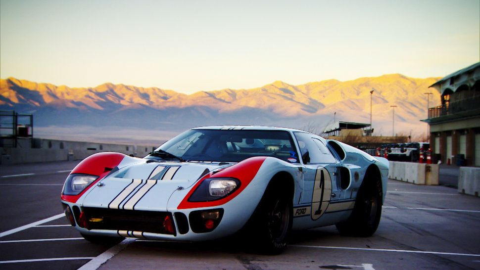 Top Gear S Adam Ferarra Drives A Real 8 Million Ford Gt40 Tonight