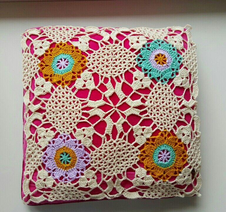 Rustic lace square