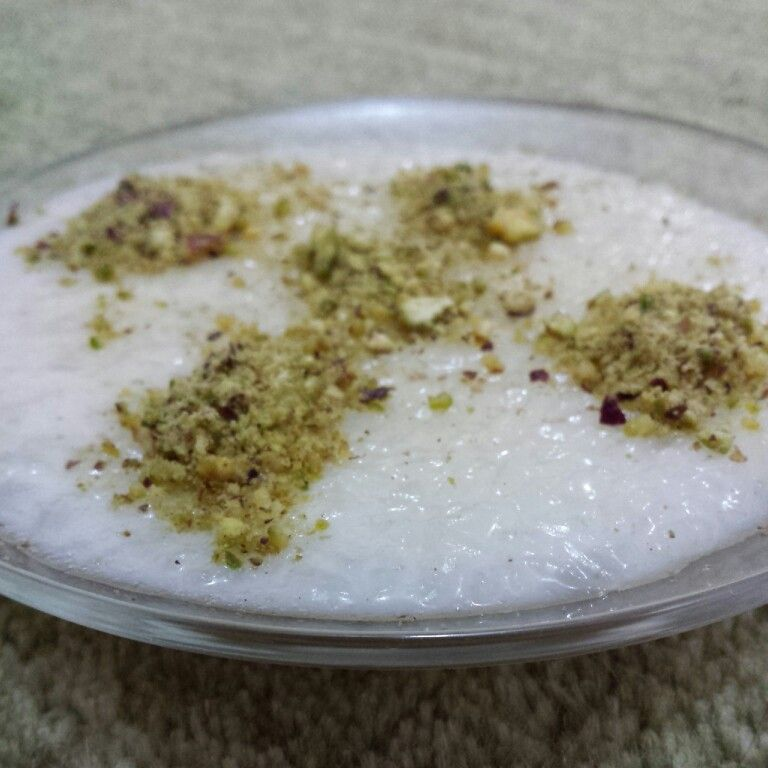 Iraqi rice pudding with cardamom and ground pistachio iraqi iraqi rice pudding with cardamom and ground pistachio arabic sweetsarabic foodmiddle eastern recipesmiddle forumfinder Images