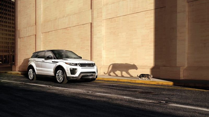 The 2017 Land Rover Range Rover Evoque Convertible with the standard roof is a great crossover, but the convertible takes the… #Gadgets