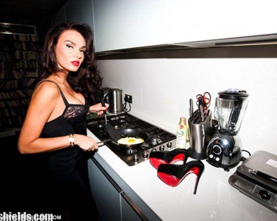 Image from http://luxurylaunches.com/wp-content/uploads/2012/12/Tamara-Ecclestone-5.jpg.