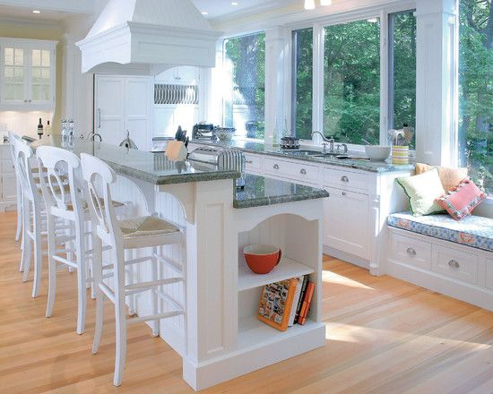 Bookshelf At End Of Island Facing Table Traditional Kitchen Design Interior Design Kitchen Modern Kitchen Design