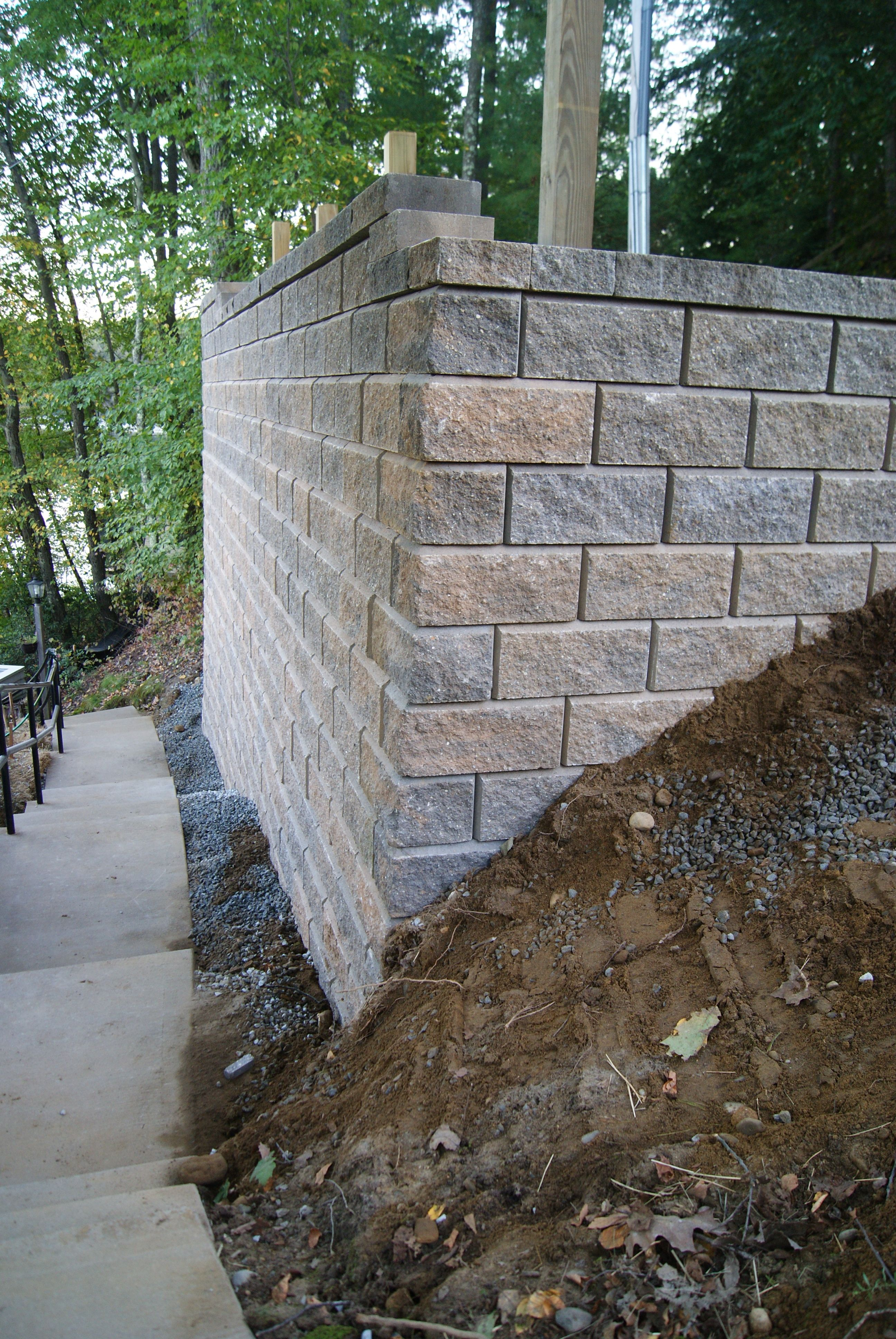 Keystone Victorian Wall For Parking Area Above Hardscape Retaining Wall Retaining Wall Blocks